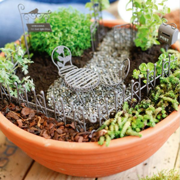 mini gardening romantic set rusry